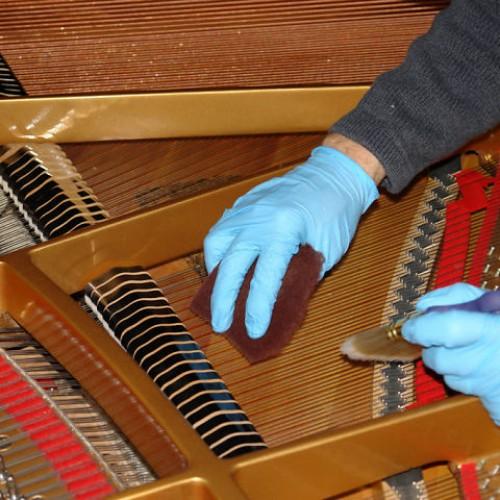 Dịch vụ lên dây đàn piano ở Tphcm