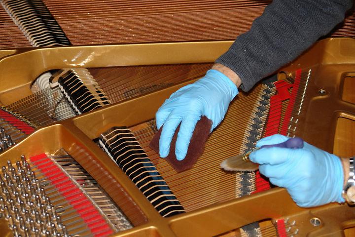 dịch vụ lên dây đàn piano