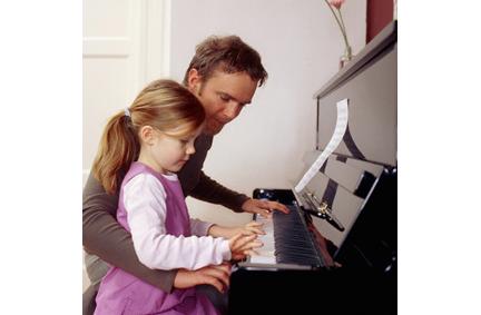 Lợi ích của việc học piano cho trẻ