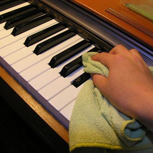 Đàn piano điện cũ và một vài lưu ý