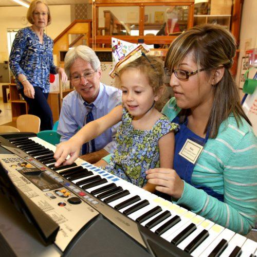Hướng dẫn chọn mua đàn organ cho trẻ em