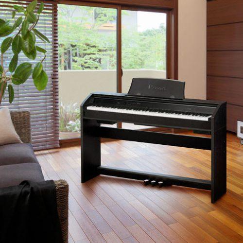 Nên mua đàn piano điện ROLAND, YAMAHA hay CASIO