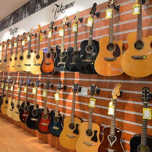 Những cây đàn guitar giá rẻ dành cho sinh viên