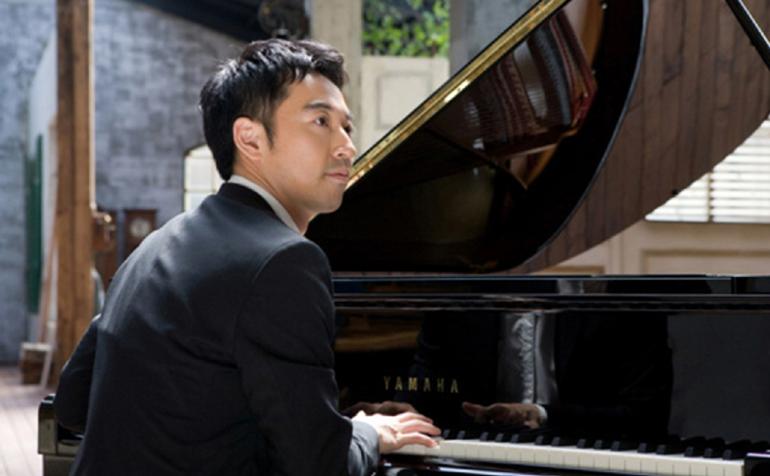 Đàn piano Châu Á và cuộc cạnh tranh giá cả