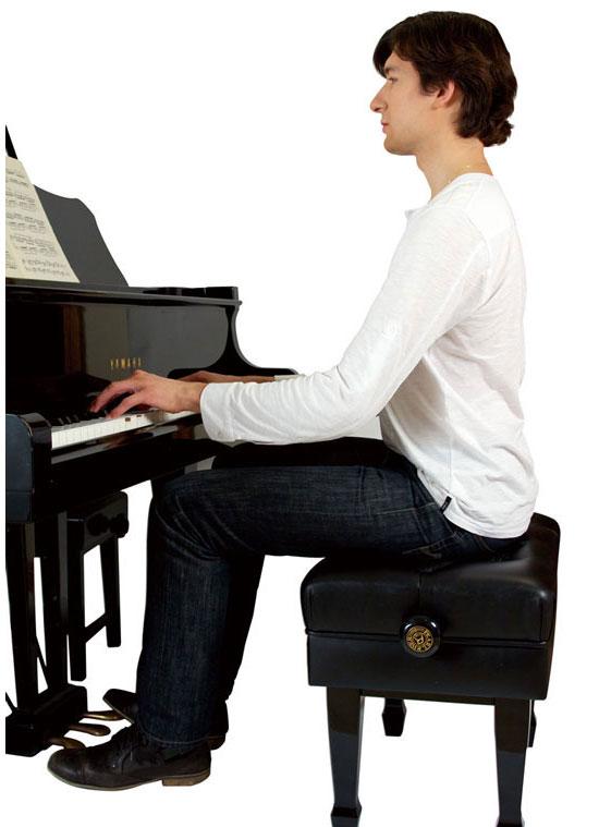 Làm thế nào để có tư thế ngồi chuẩn và đẹp khi chơi đàn piano