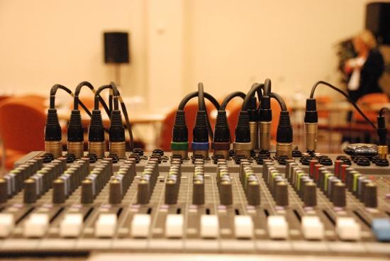 Các thiết bị âm thanh cho thuê