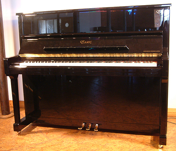 đàn piano Essex EUP-123